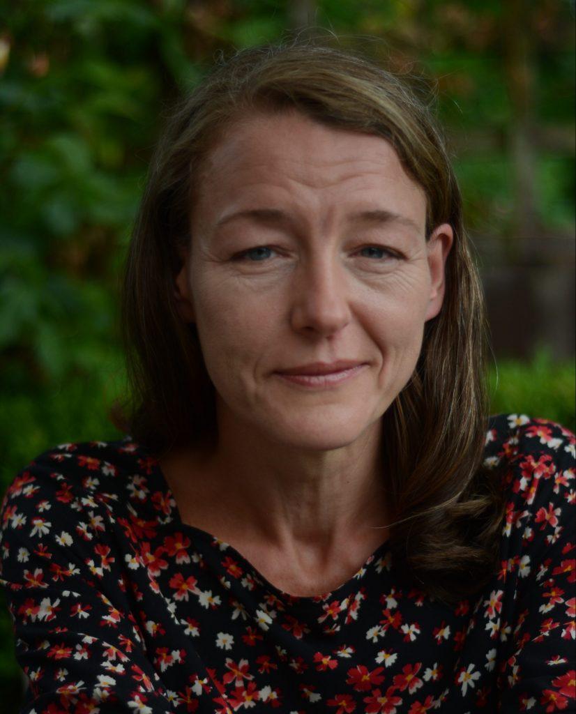 headshot of Kim Davies organisational consultant